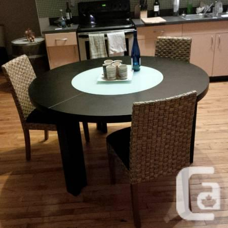 $ 1300 dining table for less than $500 - $489