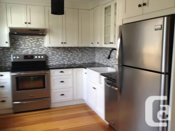 $ 1600 3br - $1600 - renovated house with lawn