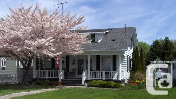 $ 389900 3br - 1500ft² - 4 period House With River