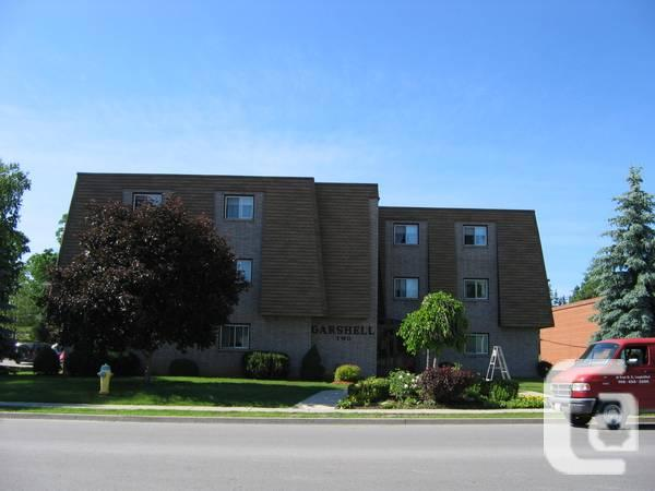 $1100 / 2br - A PERFECT MATURE BUILDING!