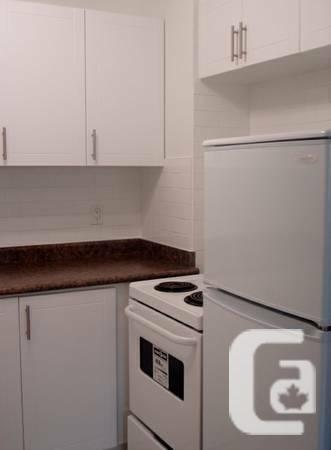 $1175 JR-1 BEDROOM AVAILABLE AUGUST 1st