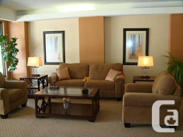 $1390 / 3br - Large renovated three bedroom