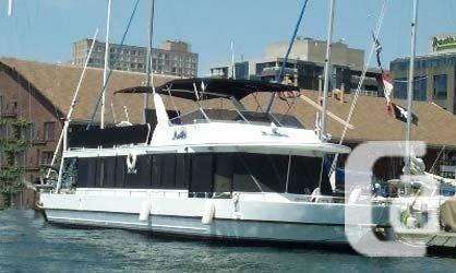 $149,900 1990 Skipperliner 60' Housecruiser Boat for
