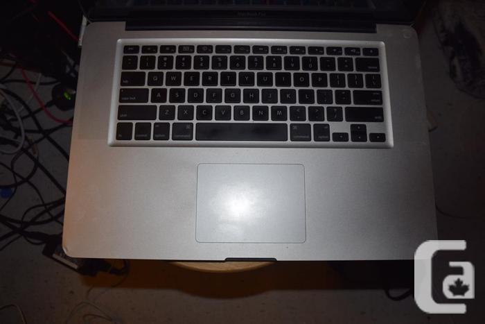 "15"" Macbook pro Core i7 8Gb memory Dual Graphics"