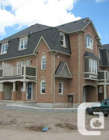 - $1500 / 3br - 1400ft² - Milton 3 Bedroom Townhome
