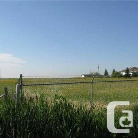 $1599900 / 3br - 2031ft² - 270 141 DEAD HORSE ROAD,