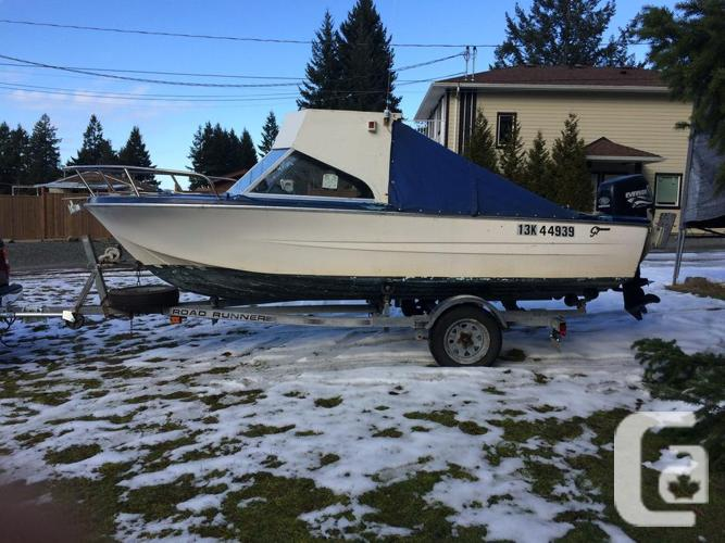 16' Hourston Glasscraft with cabin used for