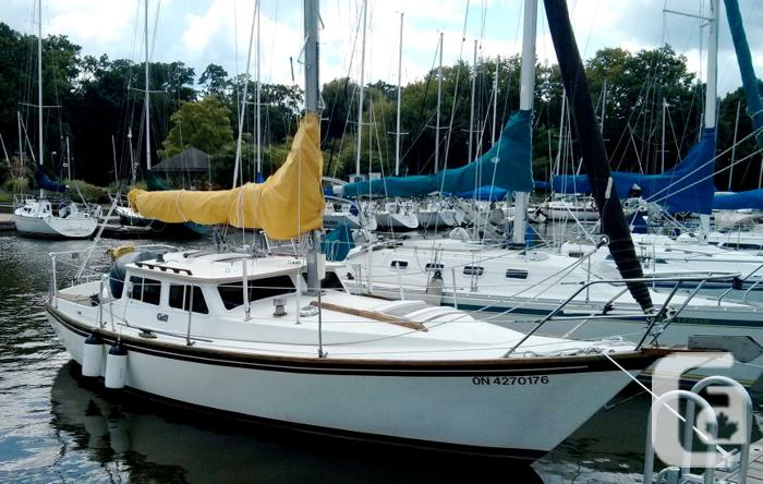$17,500 1982 Capital Yachts Gulf Pilothouse Boat for