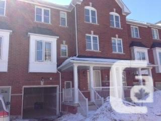 $1780 / 3br - **Upgraded Townhouse In Prime Location**