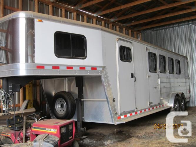 4 horse trailer in mint condition for sale in thunder bay ontario 18000 4 horse trailer in mint condition sciox Image collections
