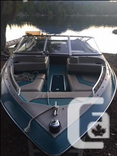 18 ft 1993 Wellcraft Excell