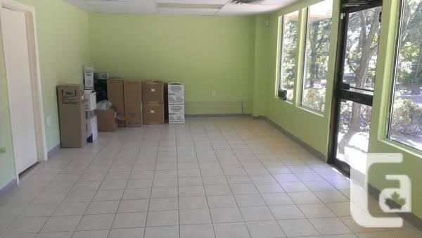 - $1800 / 1000ft² - Commercial space for lease