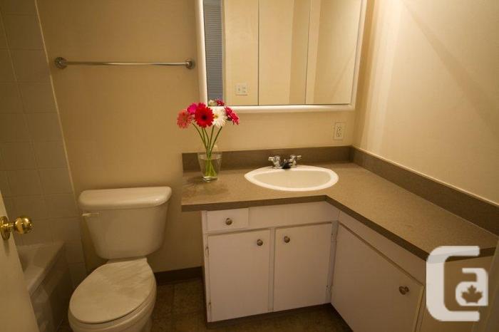 18th floor West Vancouver two bedroom suite!