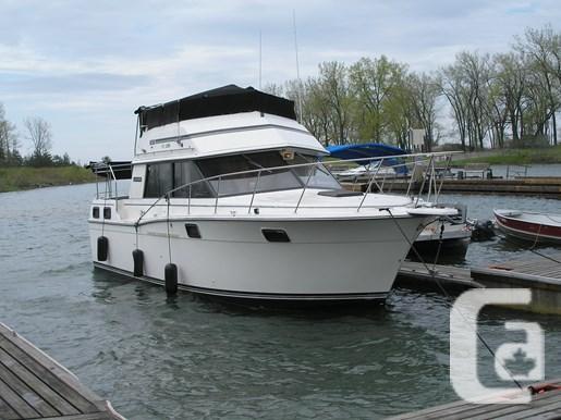 $19,000 1989 Carver 3207 Aft Cabin Boat for Sale