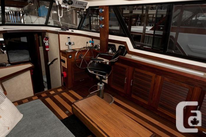 1983 34' Mainship III