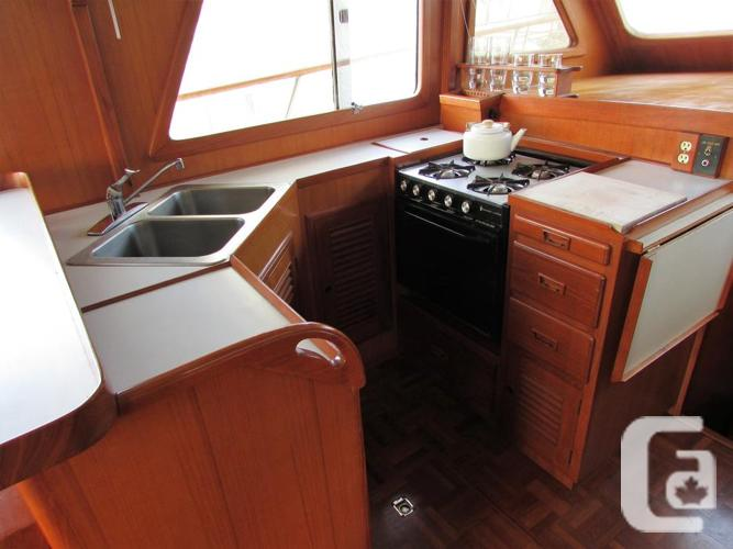 1984 Europa Cheer Men 38' Trawler