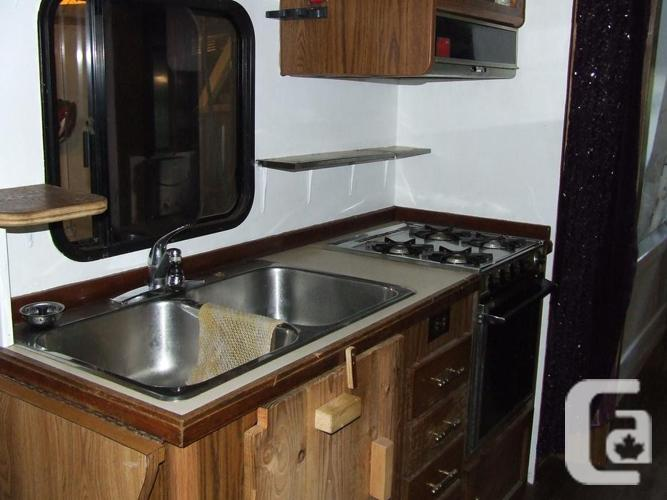 1988 350 Ford Travelaire motor home