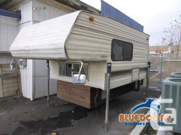 1992 Pastime Manufacturing Pastime 800 Truck Campers for