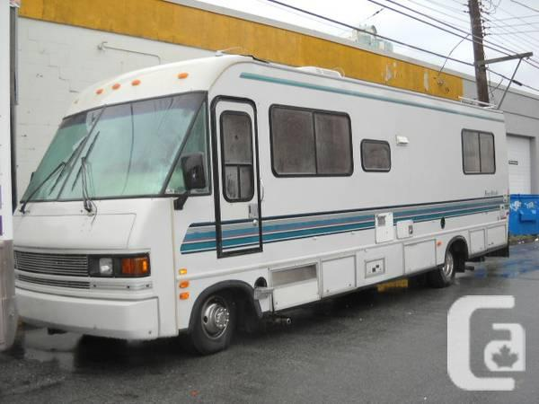 1993 FOUR WINDS 31FT CLASS A MOTOR HOME GM CHASSIS 90K KMS CLEAN - $8900 in  Whistler, British Columbia for sale
