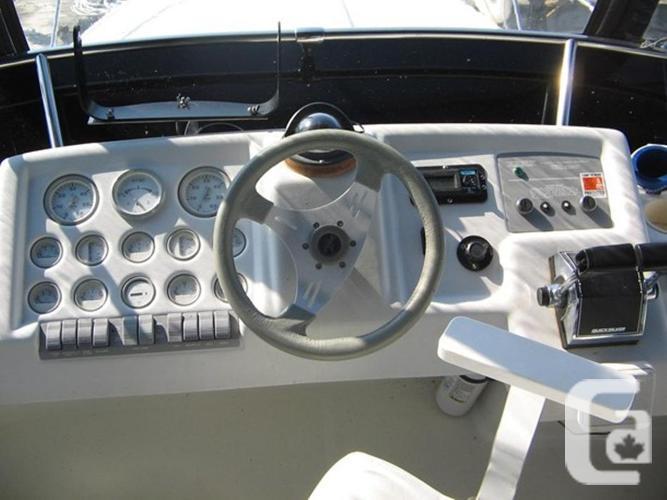 1993 Silverton 302 Sedan Cruiser for sale in Kemptville, Ontario
