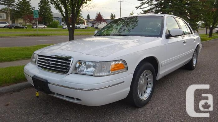 1998 Crown Victoria LX Excellent Condition RARE,