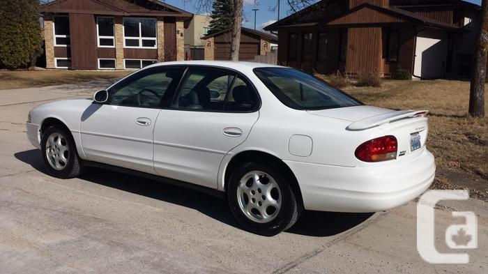 1998 Oldsmobile Intrigue GL ONLY 75,000KMS! PRICE DROP