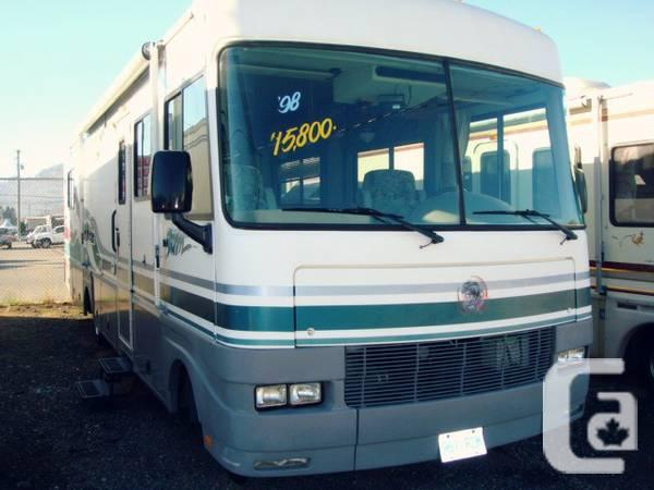 1998 SOUTHWIND 32ft Classe A Motor Home 454 chev -