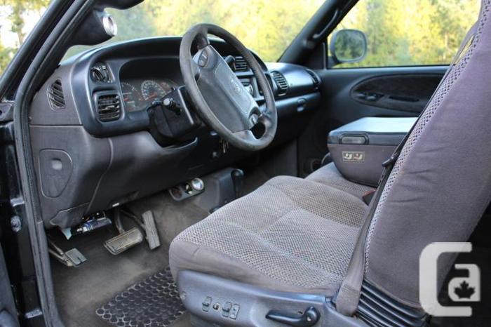 1999 Dodge Ram 3500 Diesel Dually 4x4 Quad cab Long box