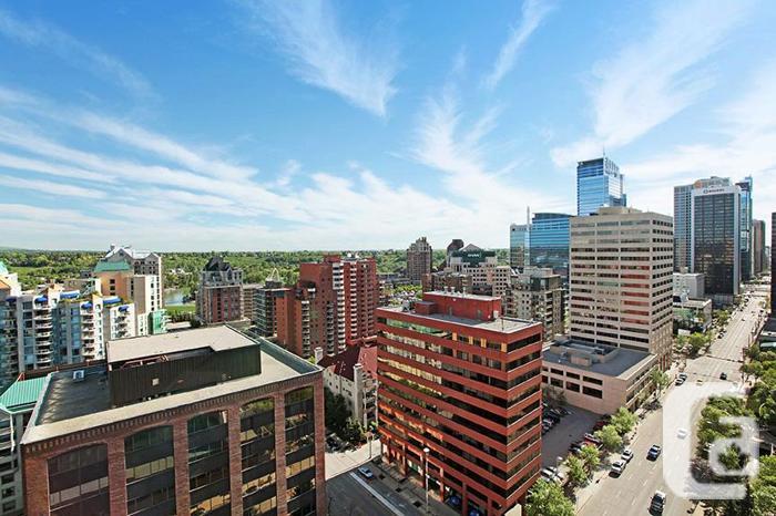 1BD Calgary Rentals Downtown! SW Near C-Train! With Den