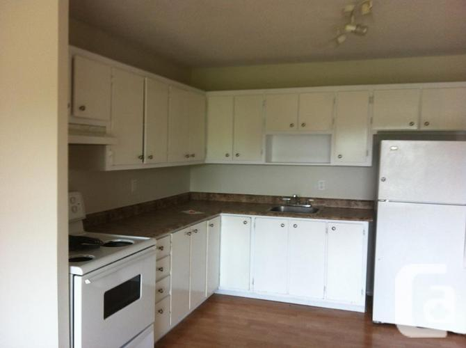 2 bedroom apartment -Sector Aylmer