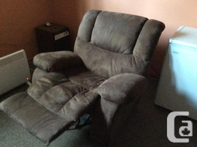 2 pieces sofa and chair recliner/rocker