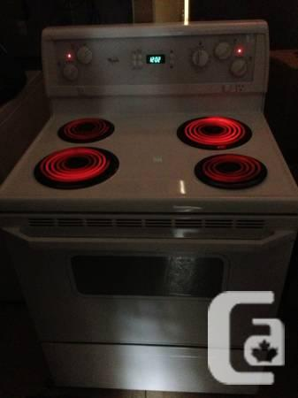 2 yrs old whirlpool gold stove with warranty for sale -