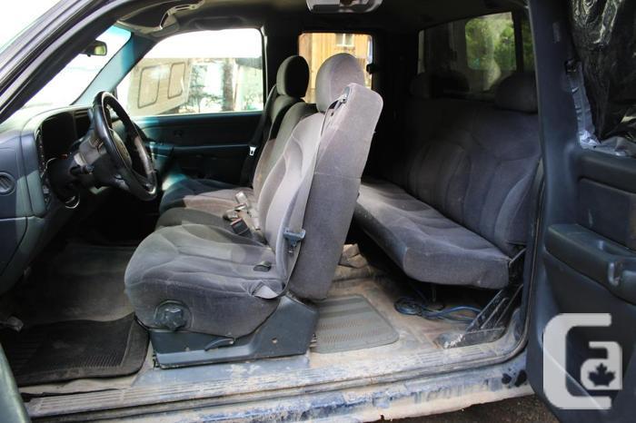 2000 GMC xcab 4X4 AUTO for PARTS