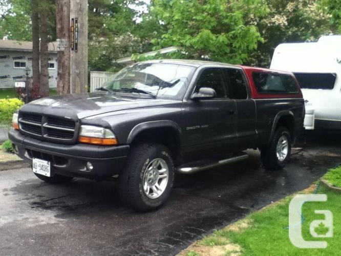 2002 Dodge Dakota and 2007 Travel Trailer with LOW KM!