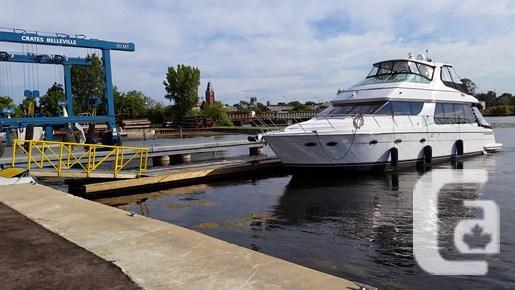 2003 Carver 570 Voyager Boat for Sale
