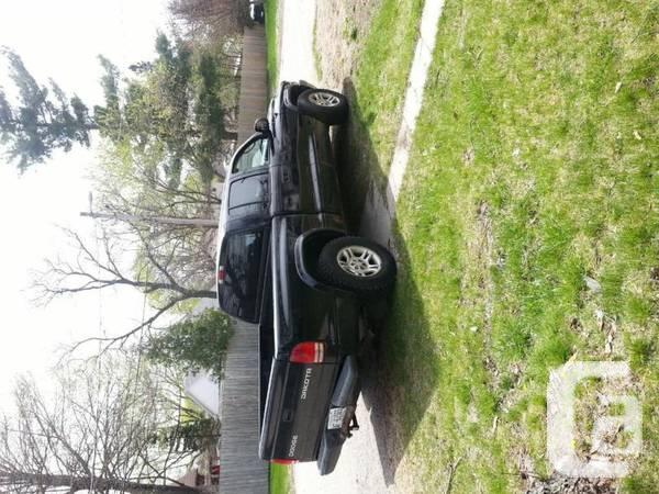 2003 Dodge Dakota 4 Door **Want Offered now**