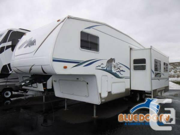 2003 Fifth Wheels Keystone RV