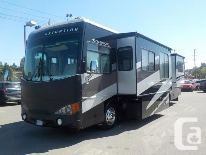 2004 Freightliner Fleetwood X-Line Excursion 350HP