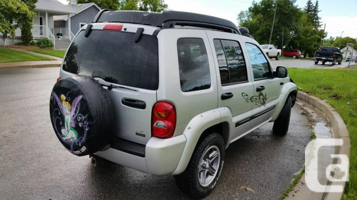 2004 jeep liberty renegade suv 4x4 for sale in regina saskatchewan classifieds. Black Bedroom Furniture Sets. Home Design Ideas