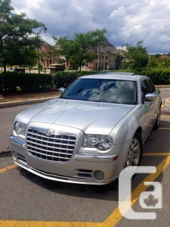 2005 CHRYSLER 300 TOP OF YHE POINT NO DUTY! - $5995