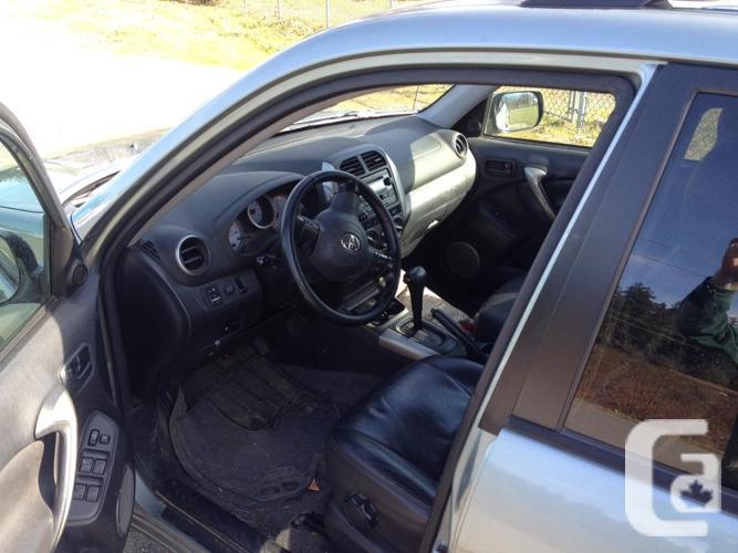 2005 RAV4 L - Leather, sunroof, automatic