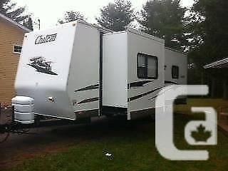 2005 Thor Chateau 28' Journey Trailor - $9200
