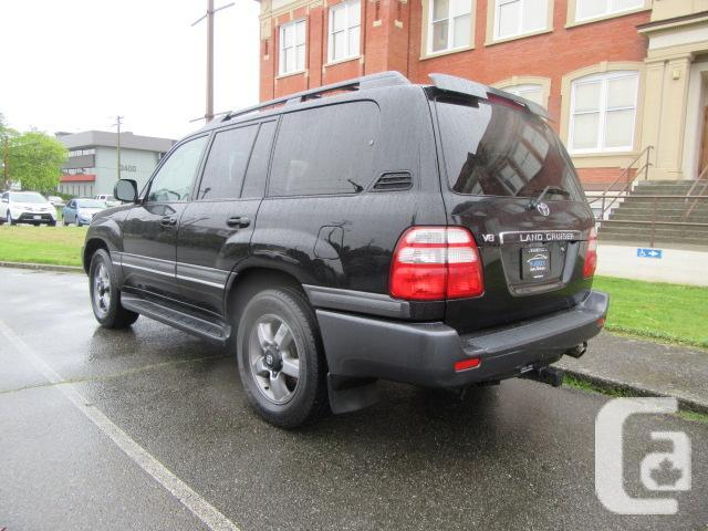 2005 Toyota Land Cruiser,  No Accidents, Bluetooth,