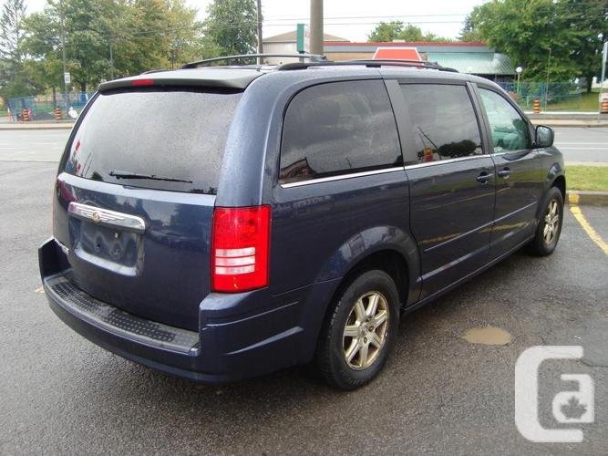 2008 Chrysler Town Country ***Stow & GO ***