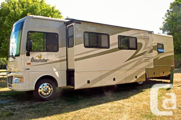 2008 FLEETWOOD BOUNDER 35E - 900