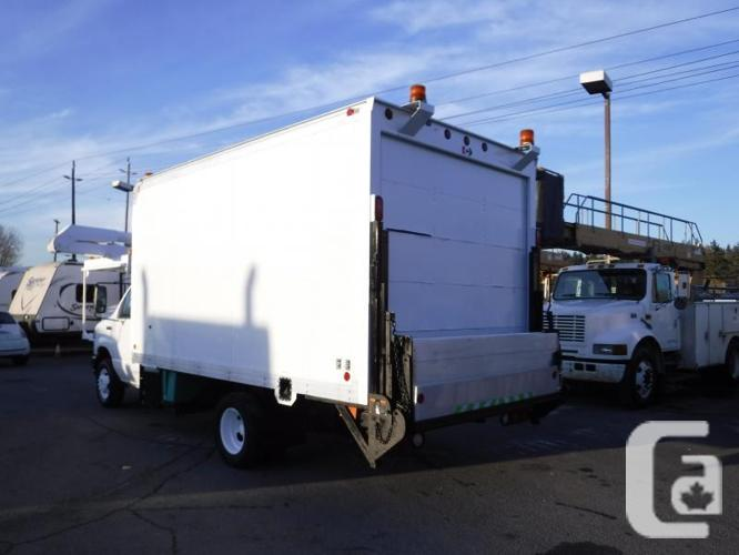 2008 Ford Econoline E-450 14 Foot Cube Van with Power