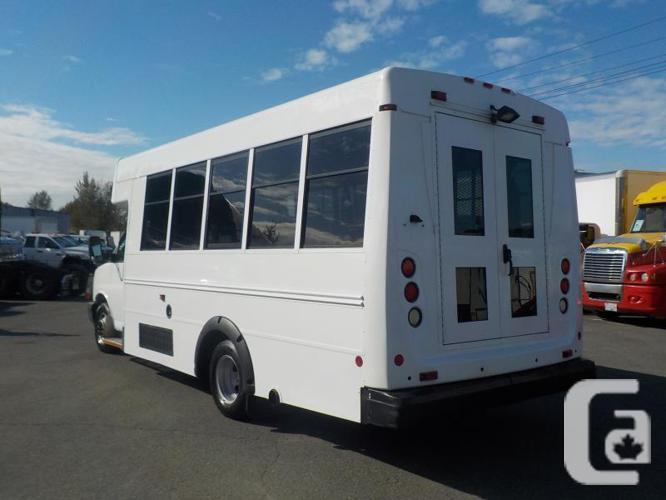 2008 GMC Savana G3500 13 Passenger Bus Diesel