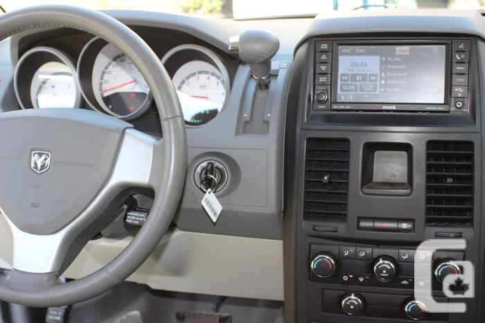 2009 Dodge Grand Caravan SXT Minivan