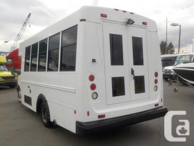 2009 GMC Savana G3500 13 Passenger Bus Diesel with