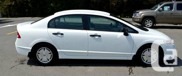 2009 honda civic 4 door automated really low usage for sale in calgary alberta classifieds. Black Bedroom Furniture Sets. Home Design Ideas